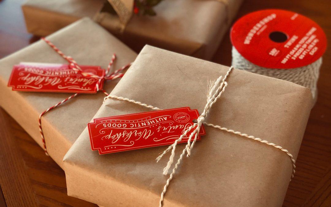 Sådan får du pakket gaverne flot ind